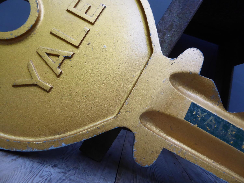 'Yale'