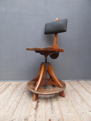 Glenister Artists Chair