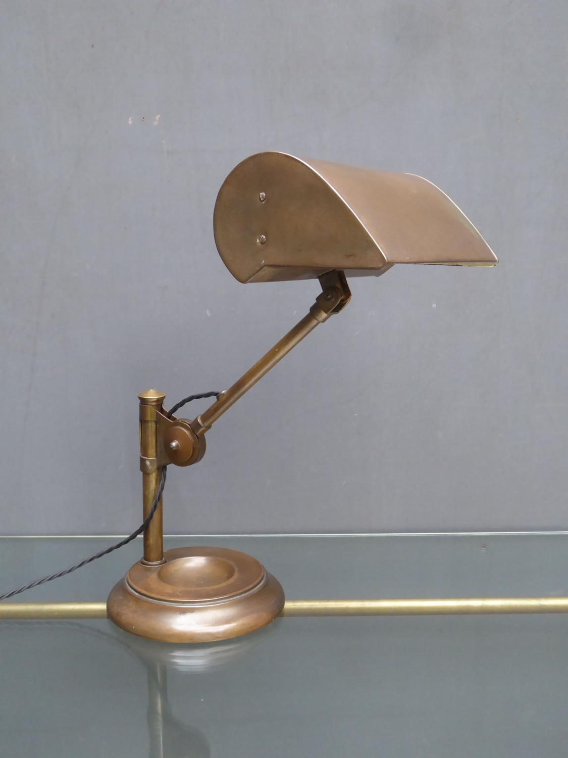 Articulated Bankers Lamp