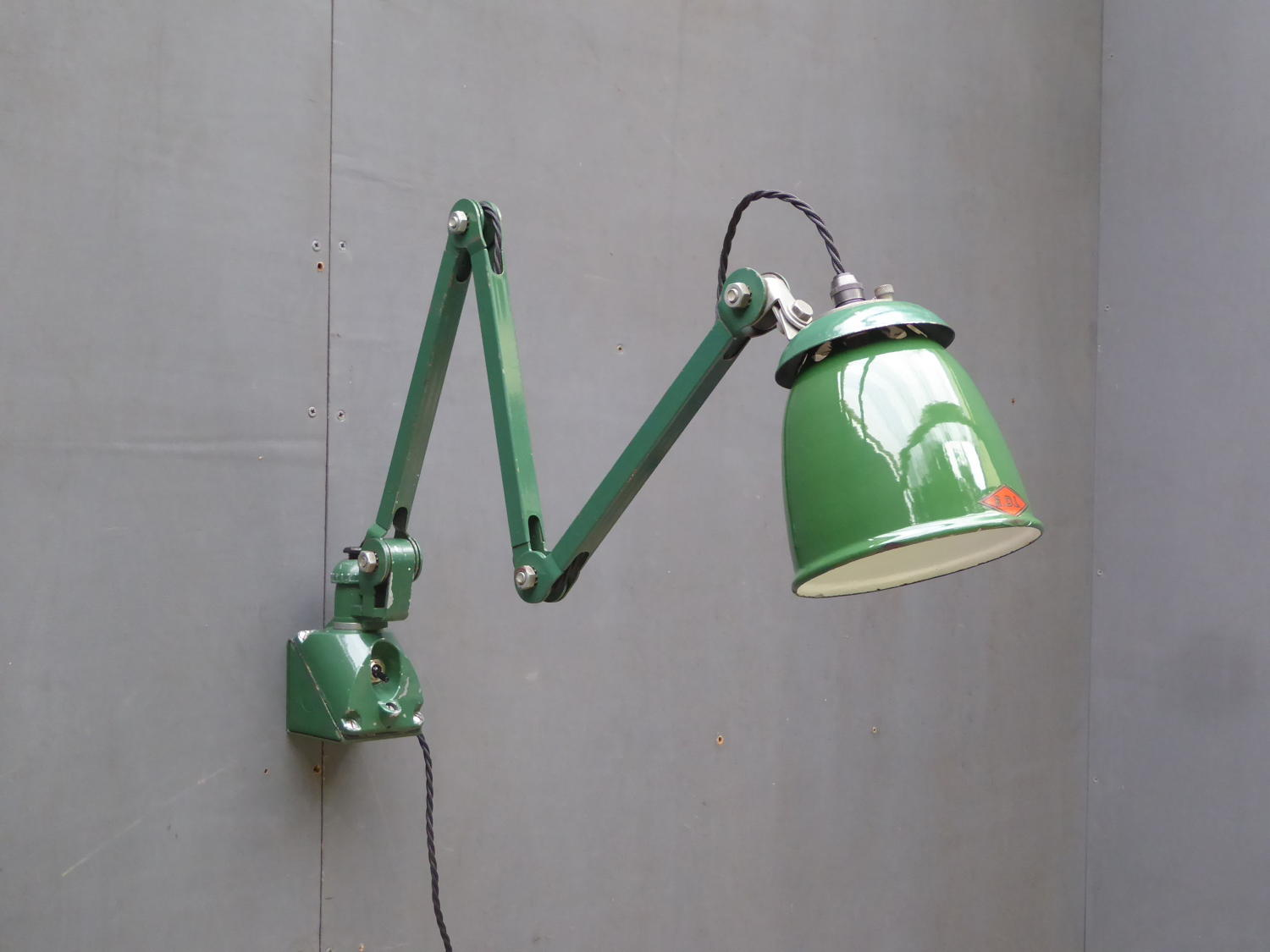 EDL Machinist Lamp