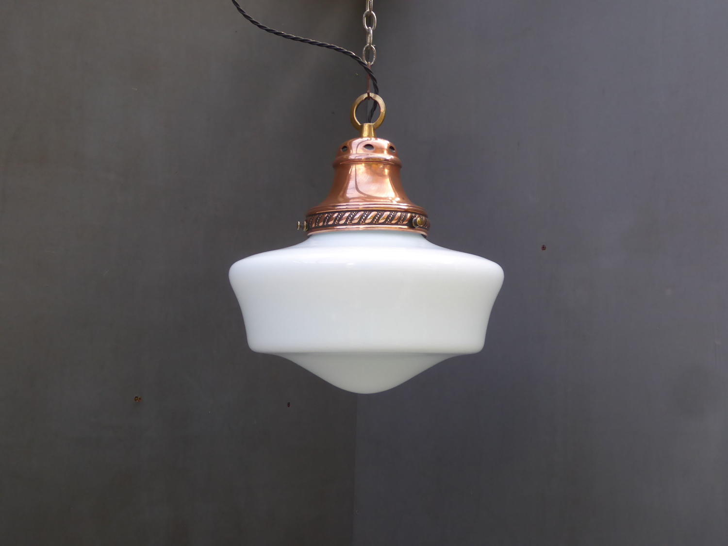 Small Opaline Chapel Light