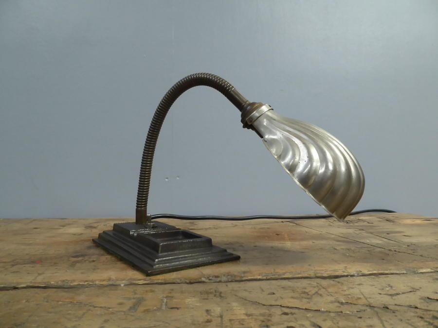 Shell Desk Lamp