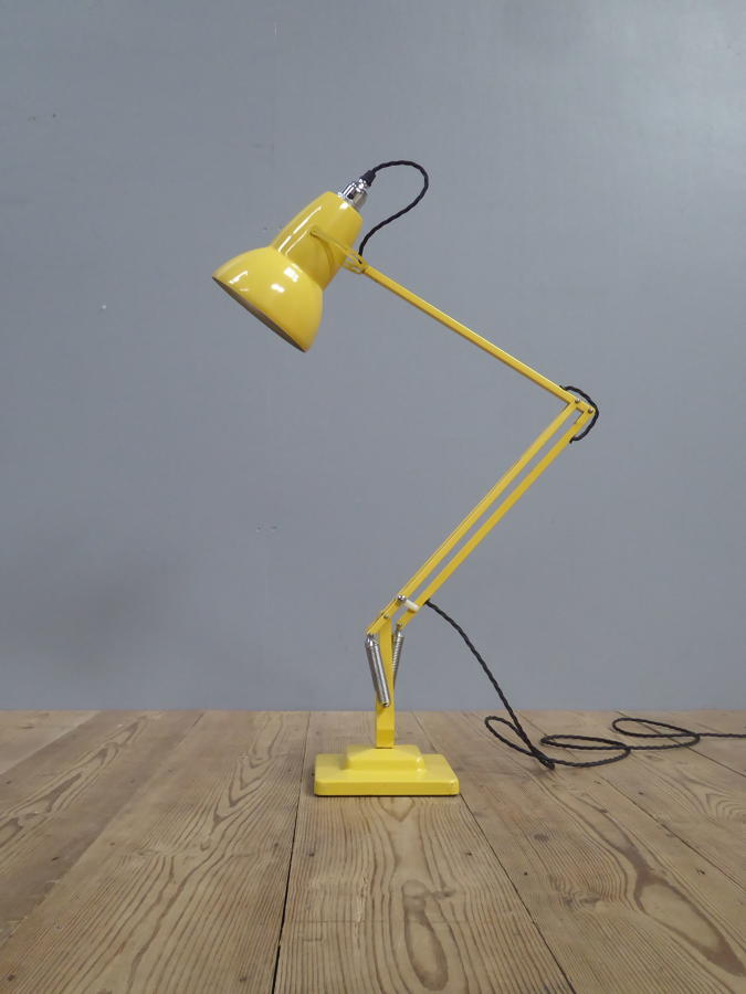 Exceptional Yellow Anglepoise