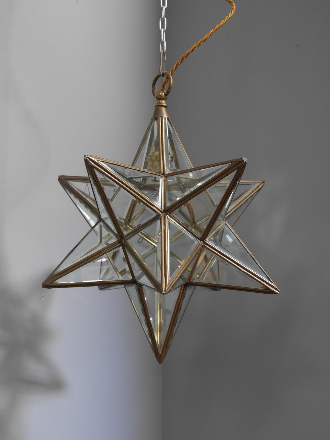 Morovian Star Pendant Light