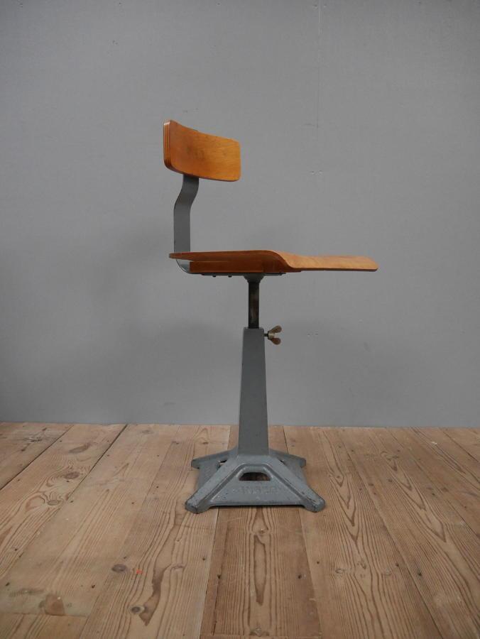 Singer Machinist Chair
