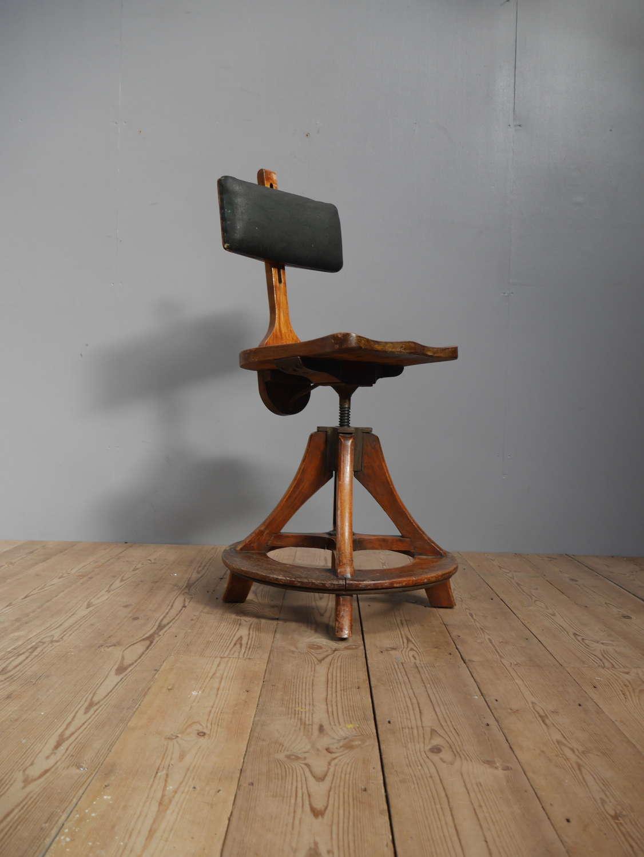 Glenister Artist's Chair