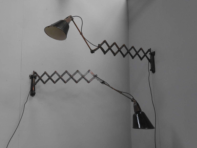 Walligraph Scissor Lights